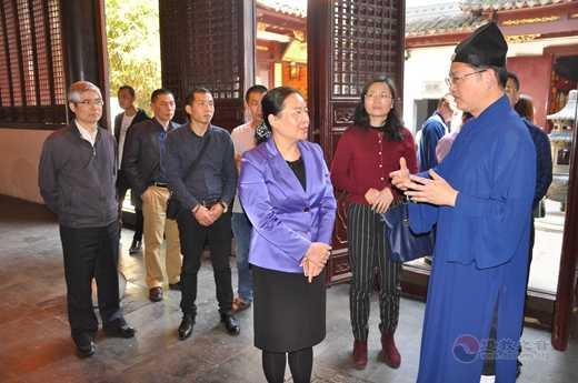 广东省民宗委学习考察团到上海城隍庙参访 ()