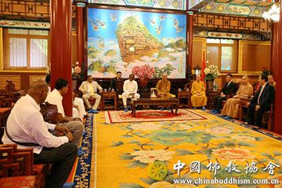 中佛协会长学诚大和尚会见斯里兰卡佛教部部长佩雷拉一行 ()