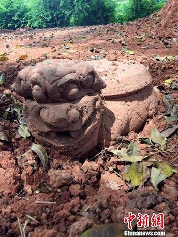 """泸州纳溪发现清代稀有""""狮头龟身""""柱础 疑为古寺残件"""