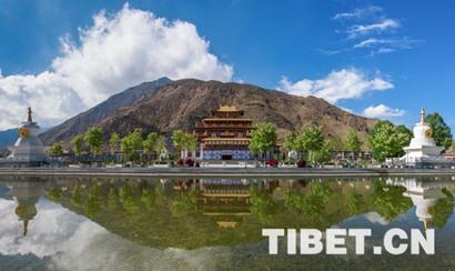 """中国藏语系高级佛学院到西藏招收""""博士""""僧"""