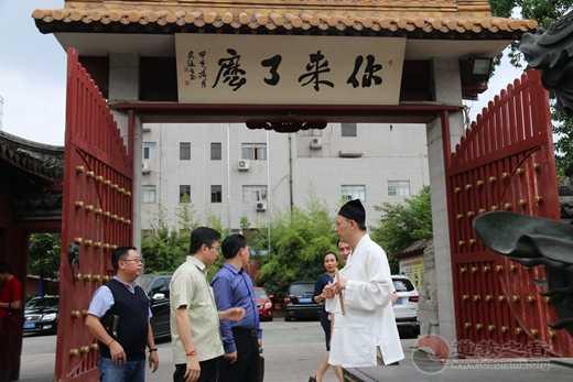 柬埔寨友好客人一行到上海东岳庙参访