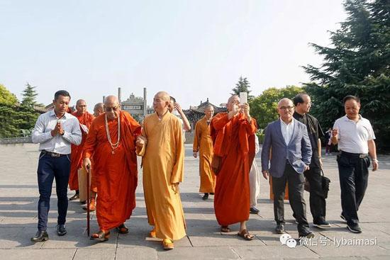 缅甸南传佛教国际协会主席阿欣.辇尼萨拉长老率团到白马寺参访_缅甸-白马寺-佛殿-佛教-风格