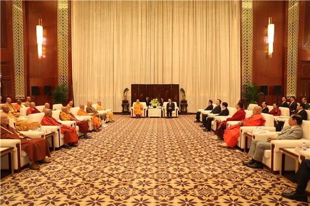 尤权会见参加第五届世界佛教论坛部分代表_佛教界-莆田-第五届-世界-中央统战部