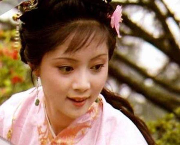 《红楼梦》里她比黛玉还令人心疼-一生都为别人而活_宝钗-黛玉-宝玉-无情-姨妈 ()